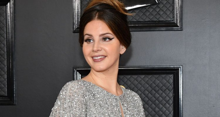 Egoísta e irresponsable Lana del Rey disgustó a sus